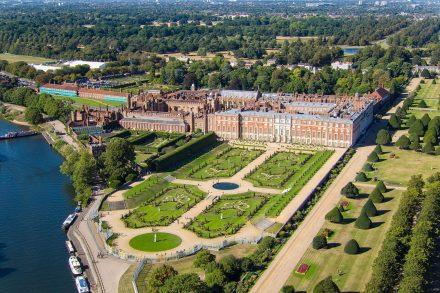 hampton-court-palace-drone-4