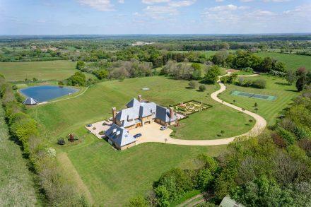 thatcham-manor-drone