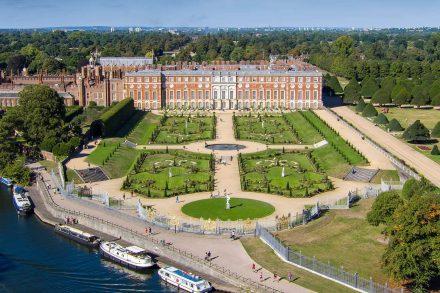 hampton-court-palace-drone-3